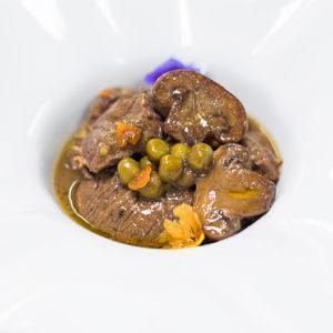 Caldereta de ternera ECO con champiñones y guisantes D.O. Maresme