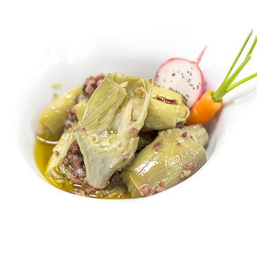 Corazones de alcachofa D.O. Tudela con virutas de jamón ibérico y aceite de oliva virgen extra D.O. Siurana