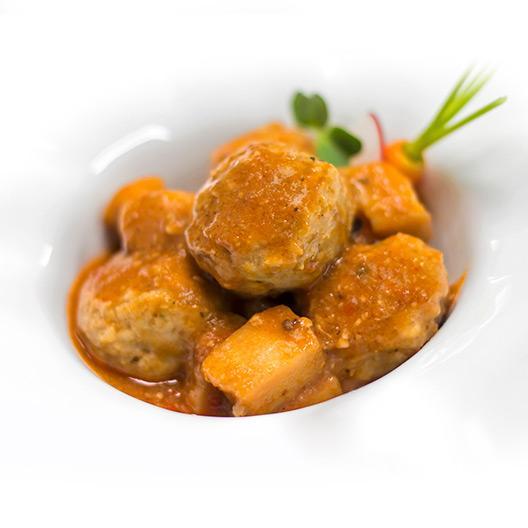 Albóndigas de cerdo duroc y ternera ECO con sepia y salsa de galeras
