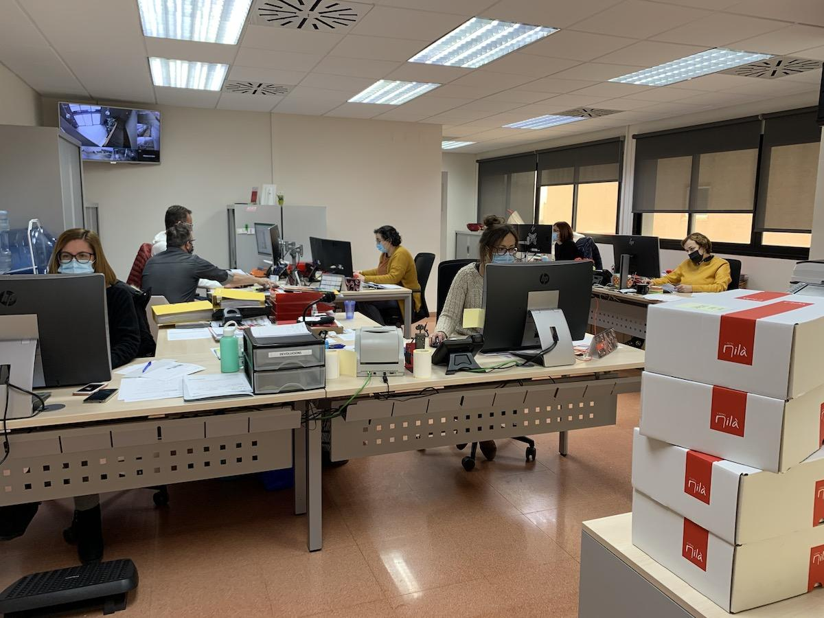 Plantilla d'administració a Carns Milà